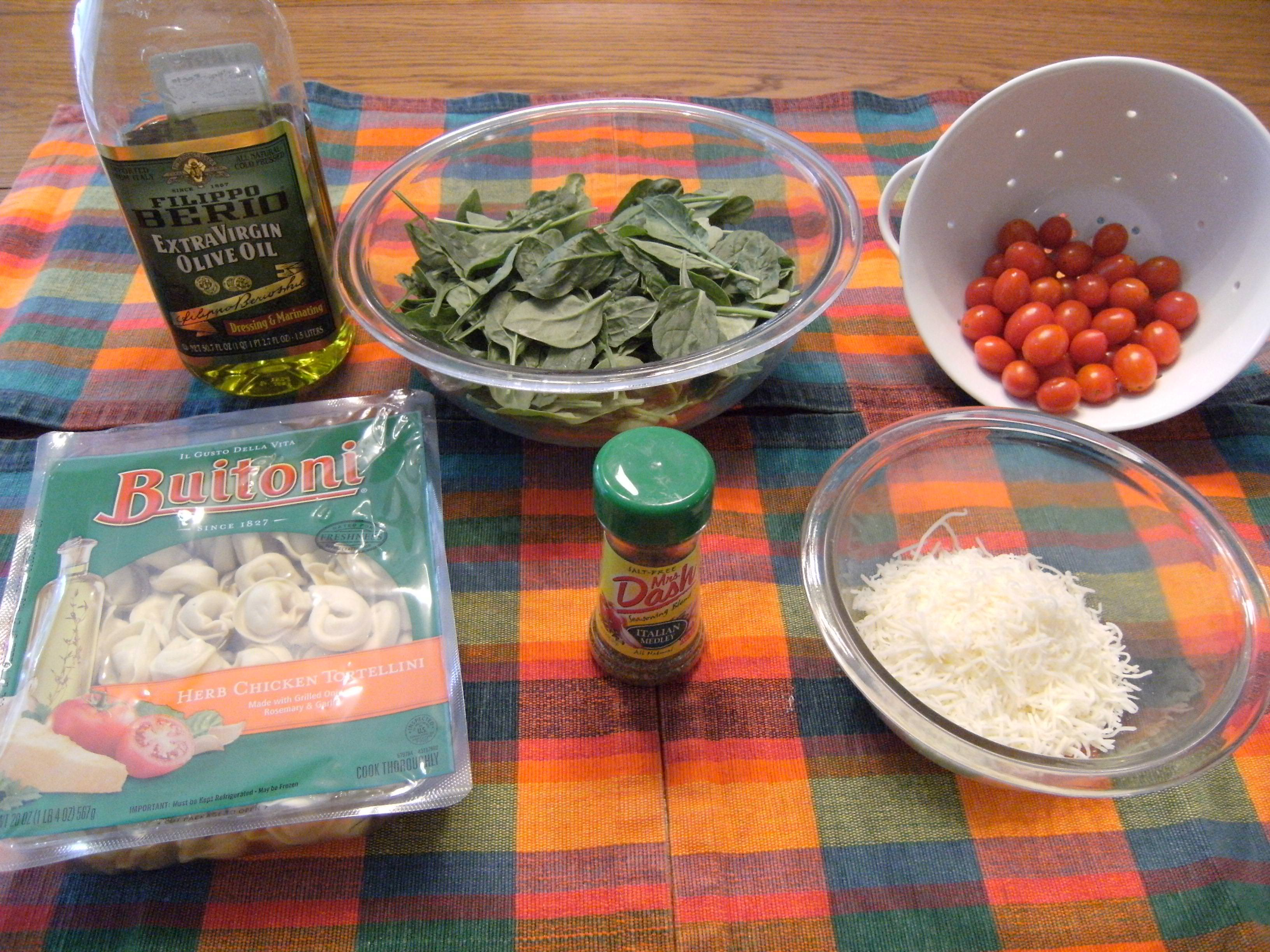 ingredients needed to make Tortellini Florentine - Recipe from ComfortablyDomestic.com