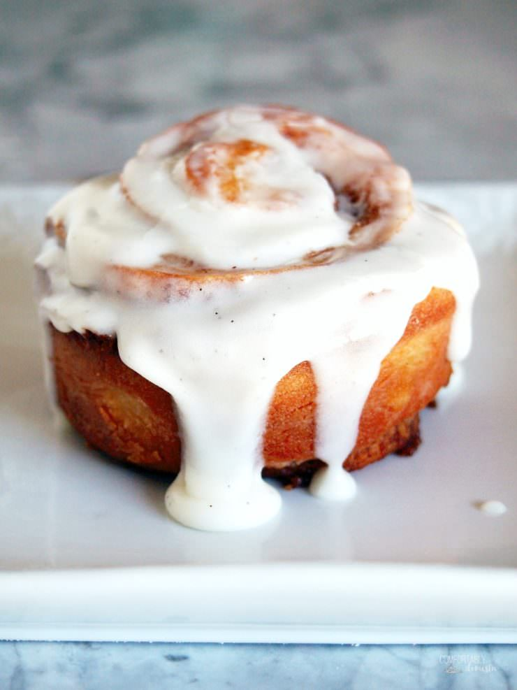 Vanilla-latte-cinnamon-rolls infuse the coffee house flavor of a vanilla latte into a sweet, gooey cinnamon roll. They make a delicious weekend breakfast treat!