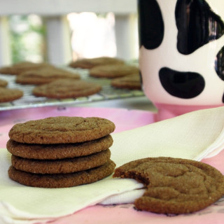 Chocolate chai sugar cookies are rich chocolate and spicy chai seasonings, transformed into soft, chewy sugar cookies. | ComfortablyDomestic.com