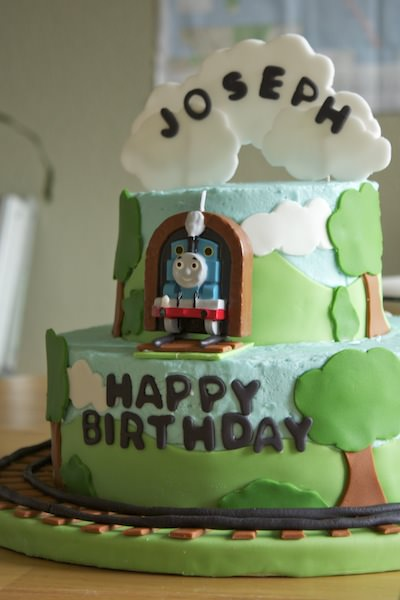 CountryCleaver.com Thomas the Tank Engine Cake