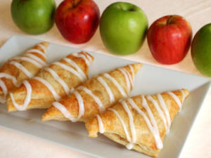 Apple turnovers are a sweet breakfast treat with a cup of coffee, as an afternoon snack, or for a light dessert. The best part is that they're incredibly easy to make! | ComfortablyDomestic.com