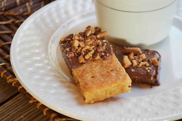 Brown Sugar Shortbread Dipped in Chocolate and Toffee by Carrie at BakeaholicMama.