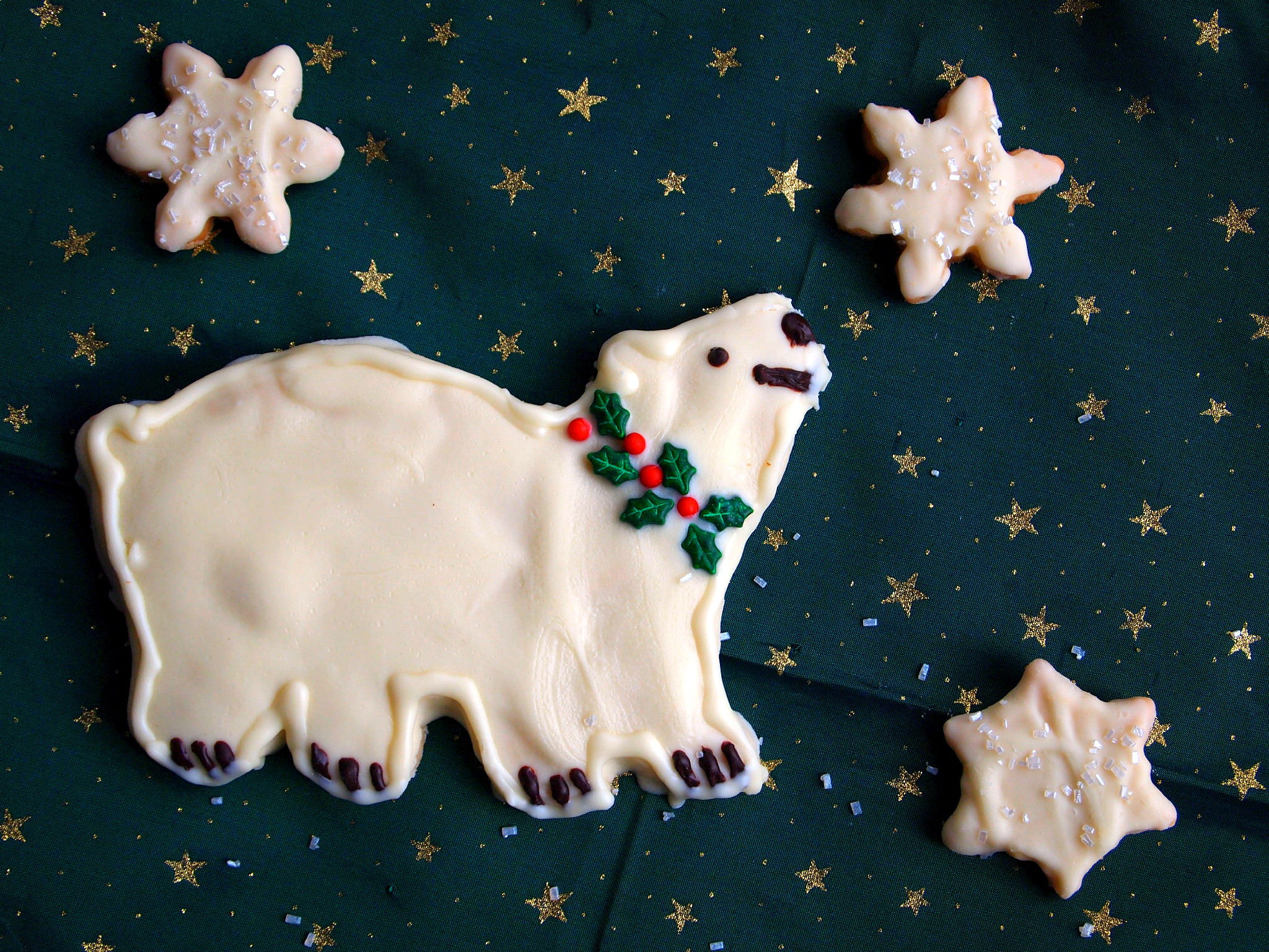 Polar Bear Cookie by ComfortablyDomestic.com