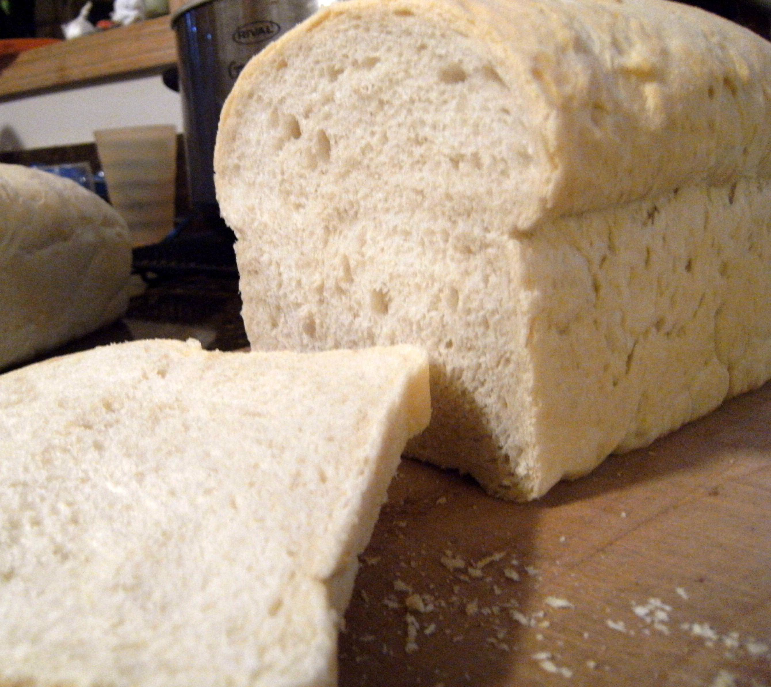 Basic Sourdough Bread via ComfortablyDomestic.com
