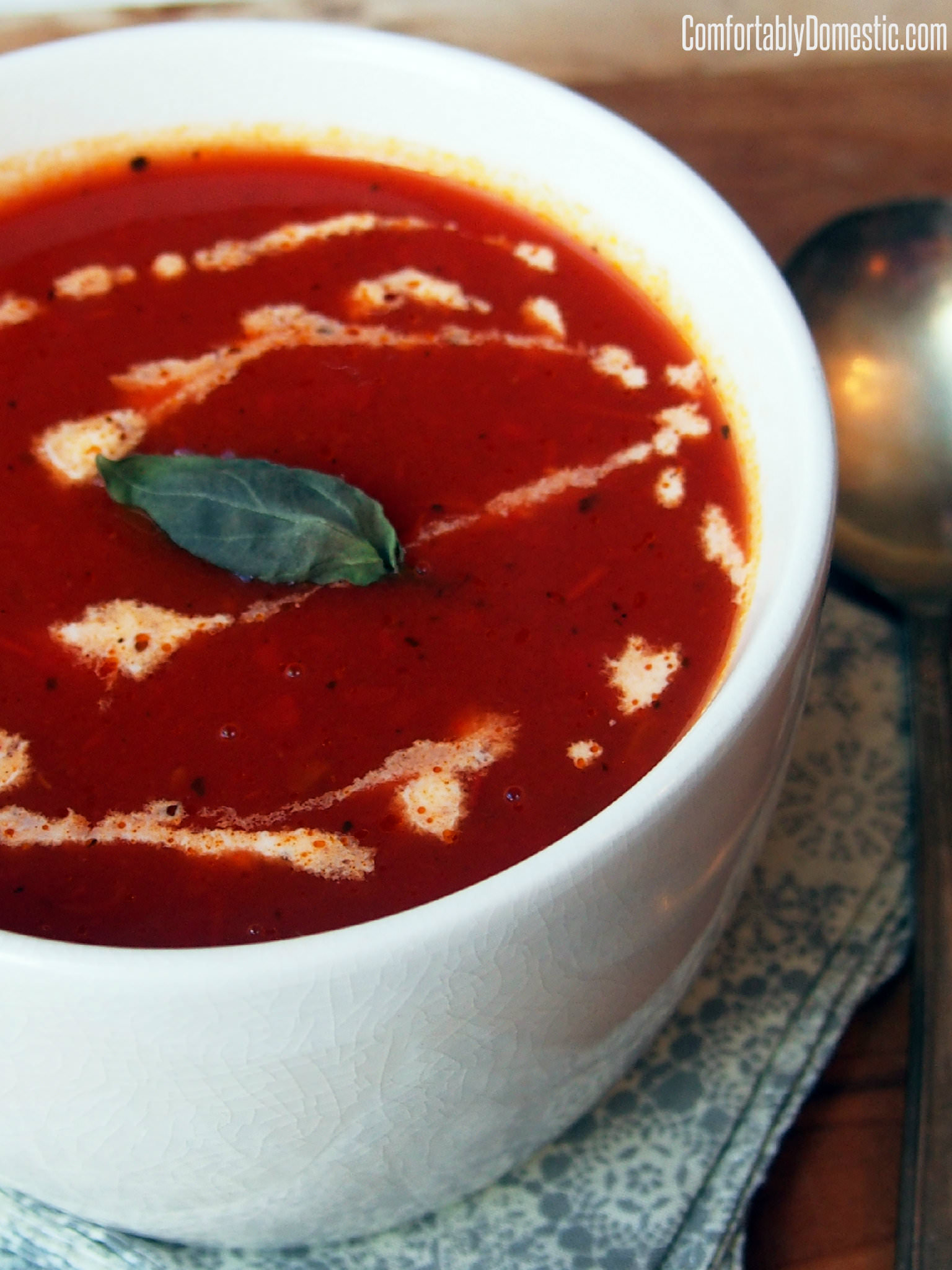 Ten Minute Homemade Tomato Soup Recipe | ComfortablyDomestic.com