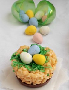 Cadbury Mini Eggs Rice Krispies Treats Birds Nests | ComfortablyDomestic.com | Easter | candy | chocolate | desserts