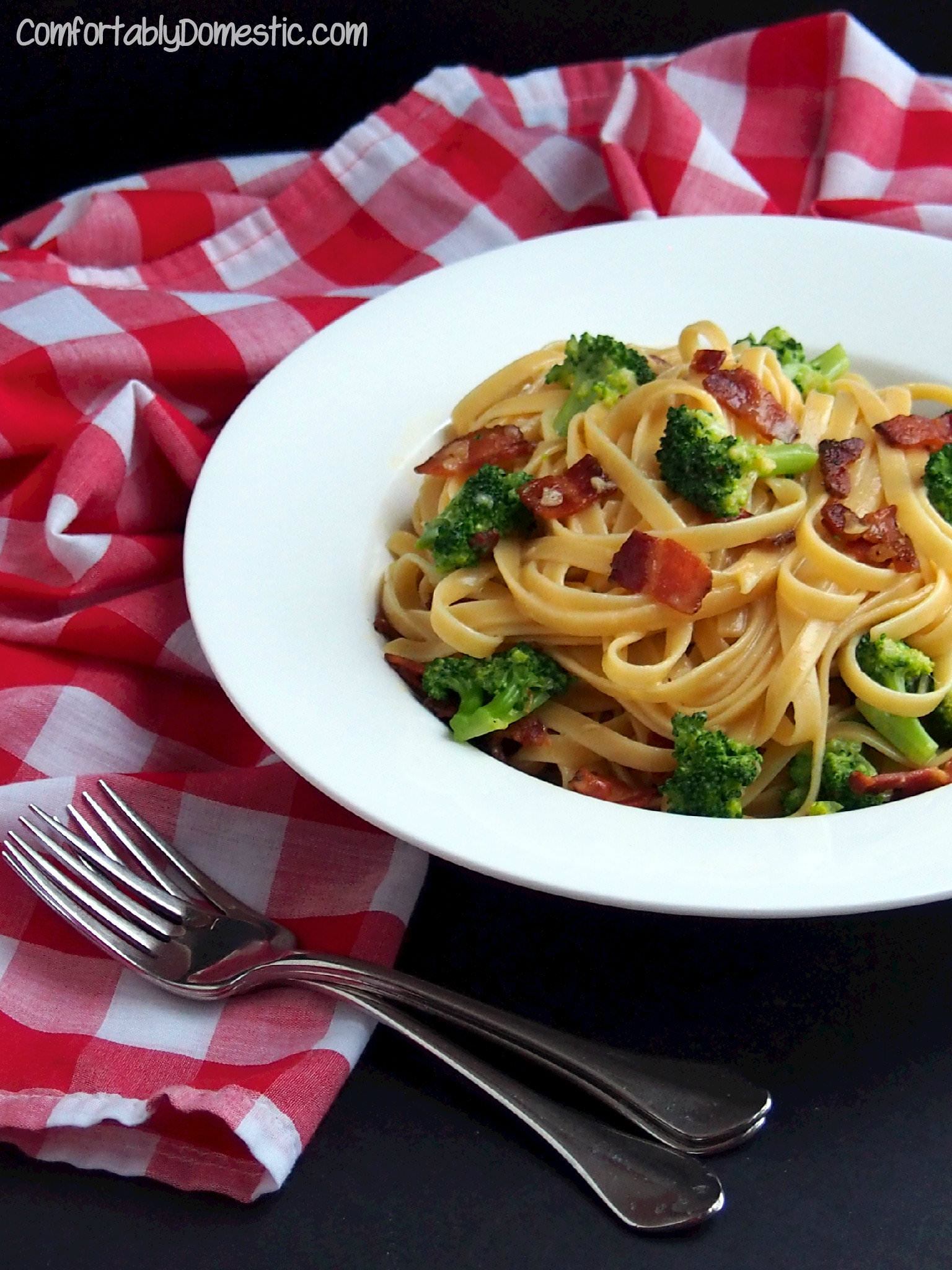 Broccoli Bacon Carbona from ComfortablyDomestic.com is a simple, restaurant quality meal that's ready in 30 minutes.