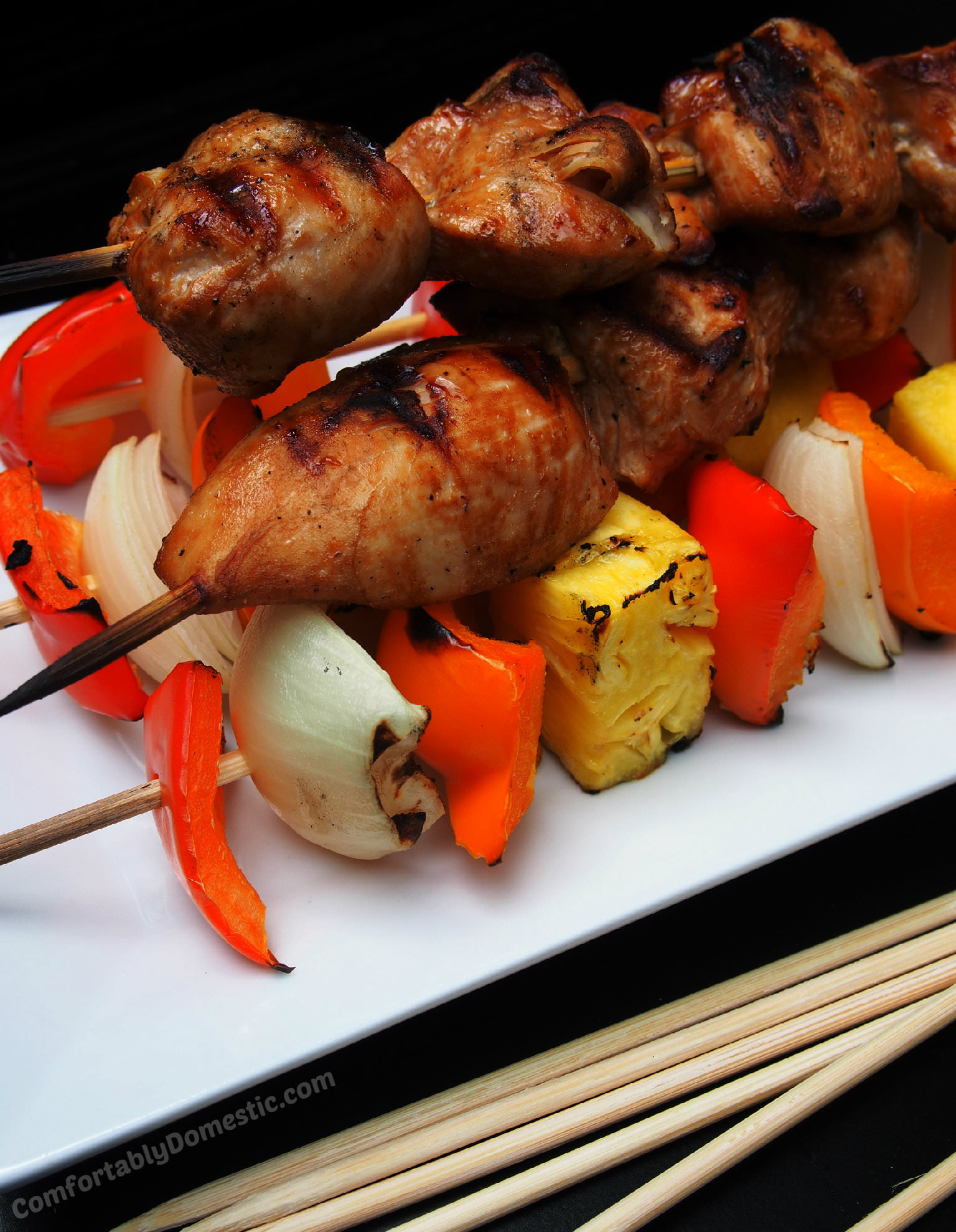 Soy Ginger Chicken Kabobs and 3 Easy Entertaining Rules | ComfortablyDomestic.com