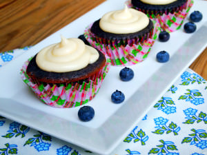 Real Blueberry Cupcakes with Lemon Tea Infused Frosting | ComfortablyDomestic.com