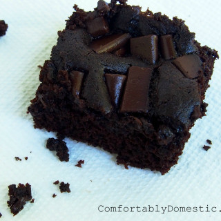 Allergy-Friendly Brownies that are Gluten Free and Egg Free | ComfortablyDomestic.com Delicious fudge brownies that are so good that you won't even miss what's missing! Free of gluten, eggs, nuts, and soy!