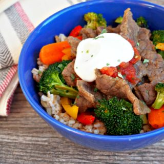 Southwest-Steak-Stir-Fry combines tender beef with fresh vegetables and a blend of savory seasonings inspired by the southwest region in a healthy, tasty twist on traditional stir fry.