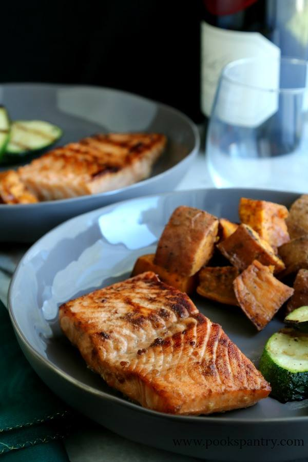 toasted-glazed-salmon-on-gray-pottery-plate