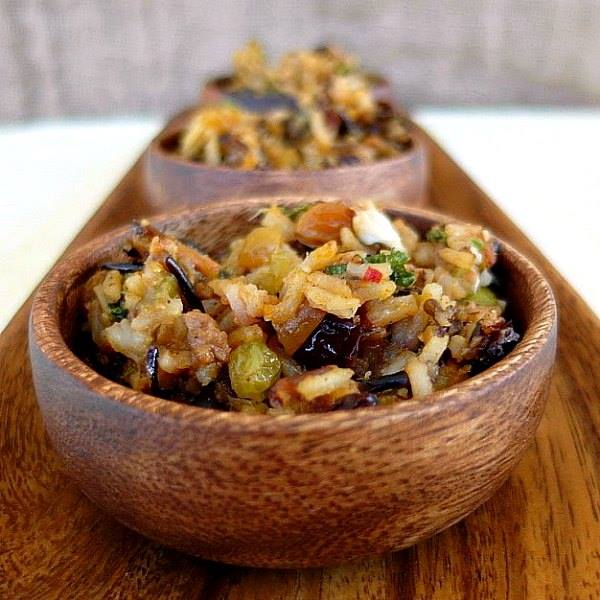 wild-rice-stuffing-in-wooden-bowls