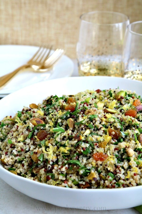 white-bowl-of-Mediterranean-quinoa-salad